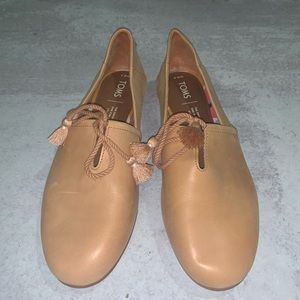 Toms kelli leather shoes tassel flats